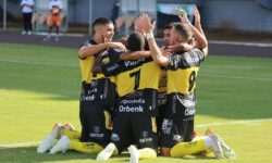 FC Cascavel busca o topo e quer primeiro título paranaense