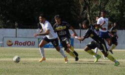 Azuriz visita Londrina e quer primeira vitória para fugir da parte de baixo da tabela