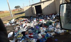 Moradores do Tarumã denunciam descarte irregular de lixo
