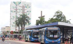 Usuários que fizeram reivindicações agora desfrutam dos novos abrigos dos pontos de ônibus