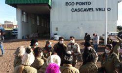 Meio Ambiente promove ação integrada para controle de carrapatos no Jardim Veneza