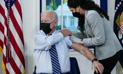 Joe Biden recebe a 3ª dose da vacina contra a Covid